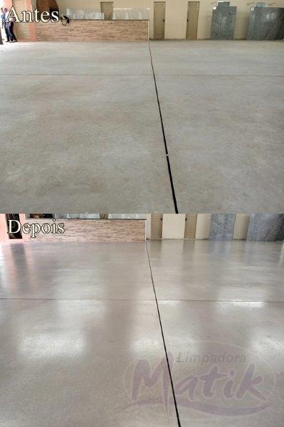 Limpeza de piso industrial