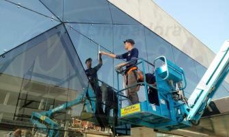 Empresa especializada em limpeza de vidros